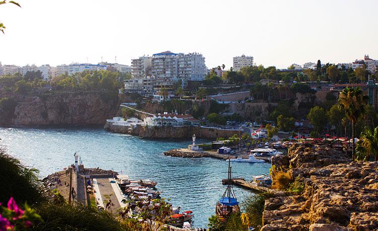 Türkiye'nin En Önemli Turizm Merkezi Antalya